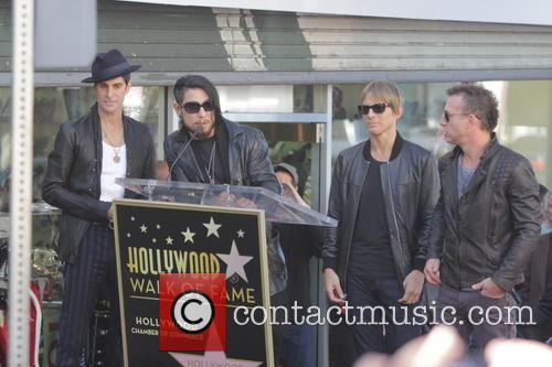 Perry Farrell, Dave Navarro, Stephen Perkins and Chris Chaney 3