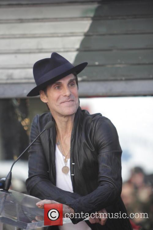 perry farrell janes addiction with a star 3929477