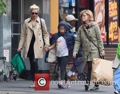 Michelle Williams, Matilda Ledger and Carla Williams 2