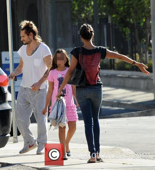 Zoe Saldana and Marco Perego running errands