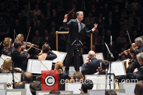 Sakari Oramo conducts his first concert as Chief...