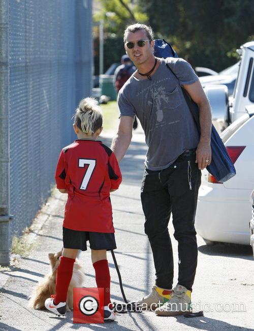 Gavin Rossdale attends football practice