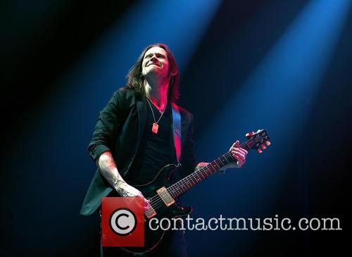 Alter Bridge and Myles Kennedy 8