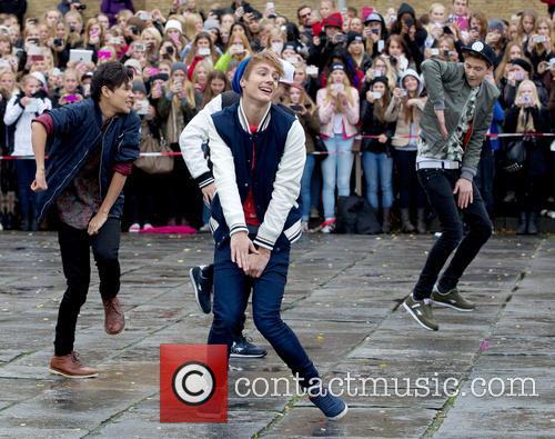 Swedish boyband The Fooo perform a surprise gig...