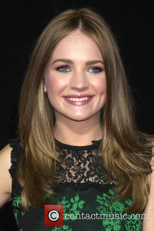 Britt Robertson 5