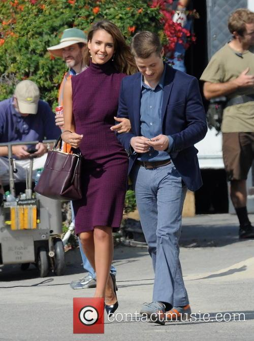 Jessica Alba and Ben Mckenzie 10