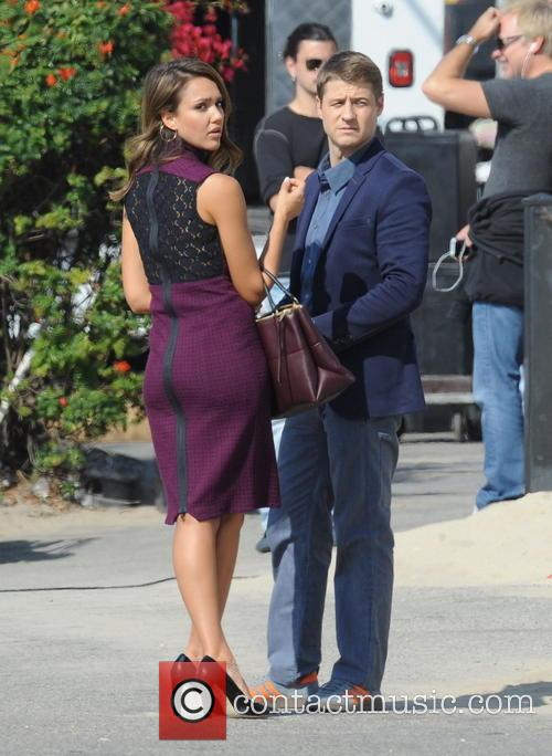 Jessica Alba and Ben McKenzie 13