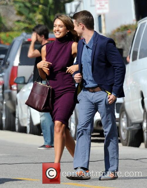 Jessica Alba and Ben McKenzie 16