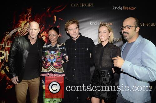 Bruno Gunn, Meta Golding, Sam Claflin, Jena Malone and Jeffrey Wright 3