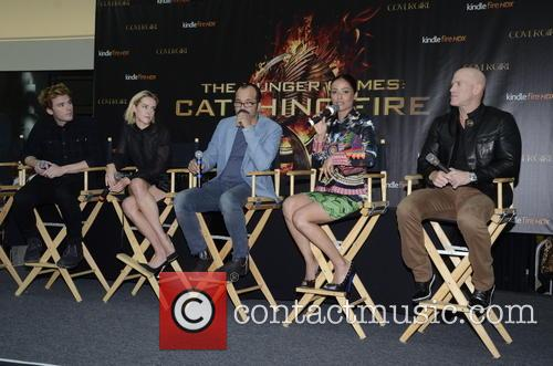 Sam Claflin, Jena Malone, Jeffrey Wright, Meta Golding and Bruno Gunn 4