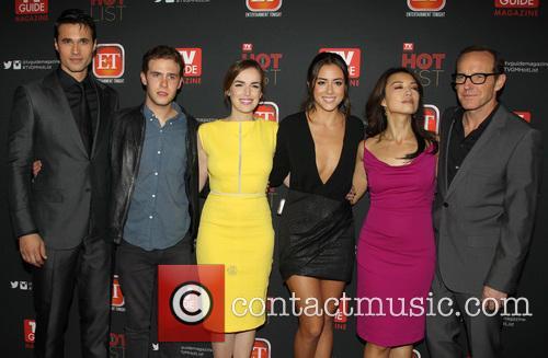 Brett Dalton, Iain De Caestecker, Elizabeth Henstridge, Chloe Bennet, Ming-na Wen and Clark Gregg 5