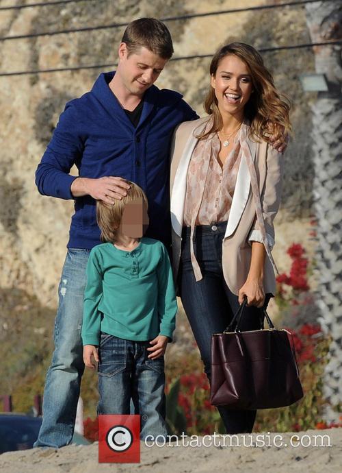 Jessica Alba and Benjamin Mckenzie 2