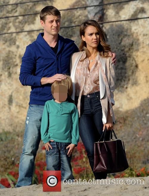 Jessica Alba and Benjamin Mckenzie 7