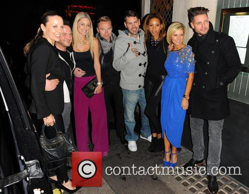 Karen Corradi, Mikey Graham, Storm Uechtritz, Ronan Keating, Shane Lynch, Sheena White, Lisa Duffy and Keith Duffy 2