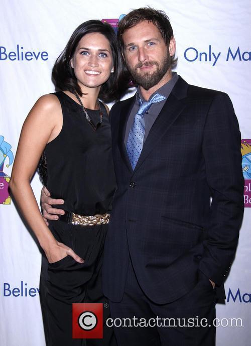 Jessica Henriquez and Josh Lucas 2