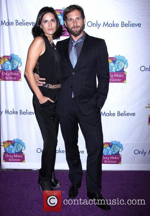 Jessica Henriquez and Josh Lucas 1