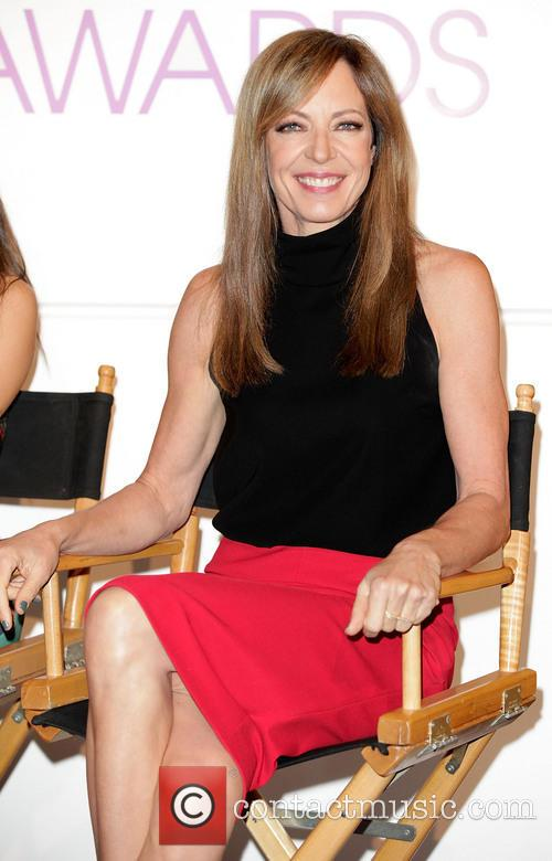 allison janney peoples choice awards 2014 nominations 3937628