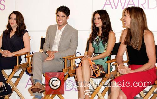 Kat Dennings, Darren Criss, Rachel Bilson and Allison Janney 11