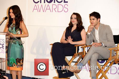 Rachel Bilson, Kat Dennings and Darren Criss 2