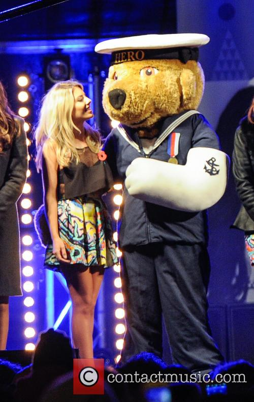 The Saturdays, Una Healy, Rochelle Humes, Vanessa White, Mollie King and Atmosphere 4