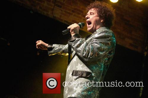 Leo Sayer performing live in concert