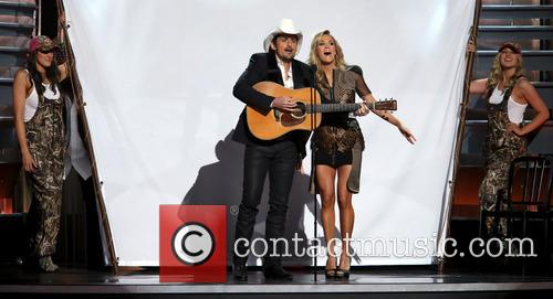 Brad Paisley and Carrie Underwood 9