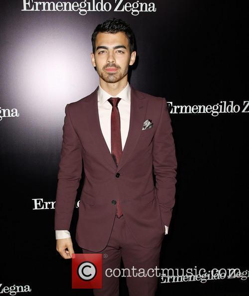 Joe Jonas, Ermenegildo Zegna Boutique on Rodeo Drive in Beverly Hills