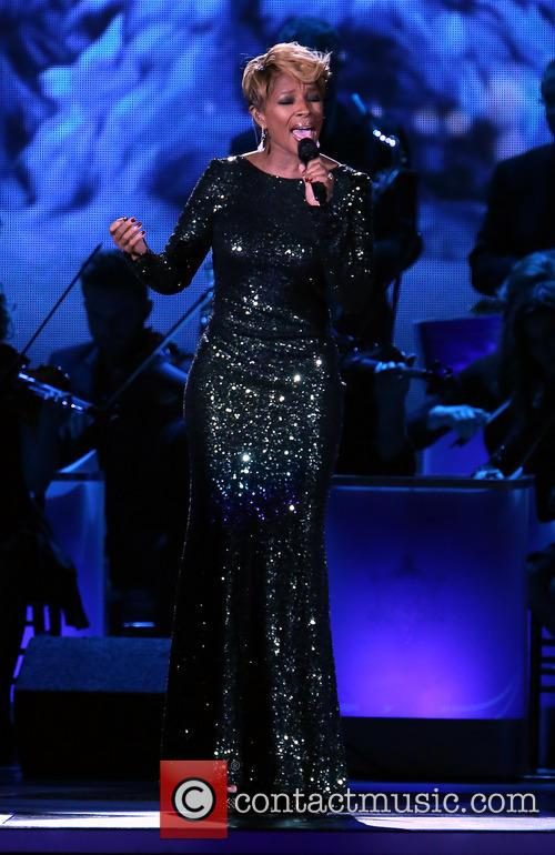 mary j blige 2013 cma country christmas 3943767