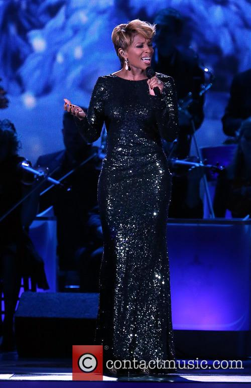 mary j blige 2013 cma country christmas 3943773
