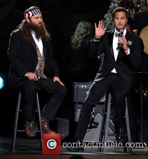 willie robertson luke bryan 2013 cma country christmas 3943778
