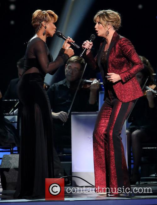 Mary J. Blige and Jennifer Nettles 3