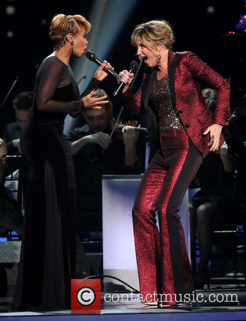 Mary J. Blige and Jennifer Nettles 6
