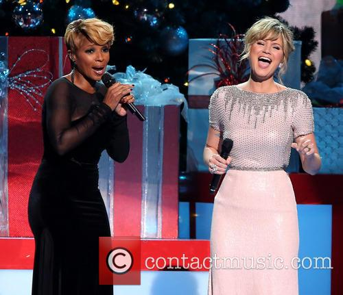 Mary J. Blige and Jennifer Nettles 7