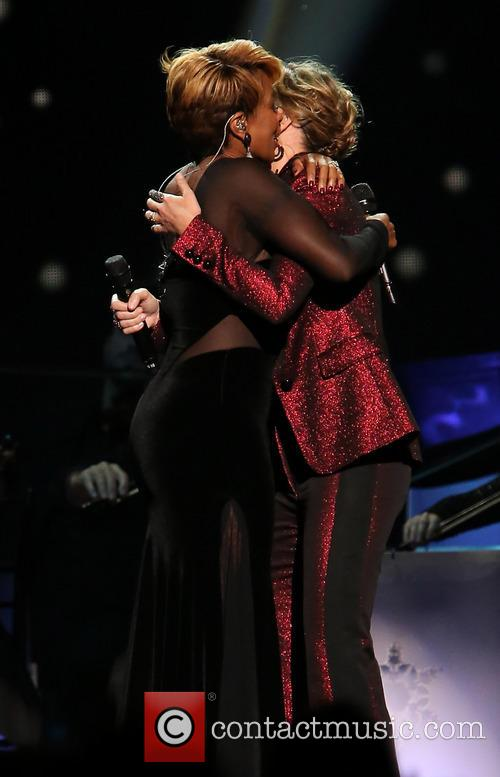 Mary J. Blige and Jennifer Nettles 8