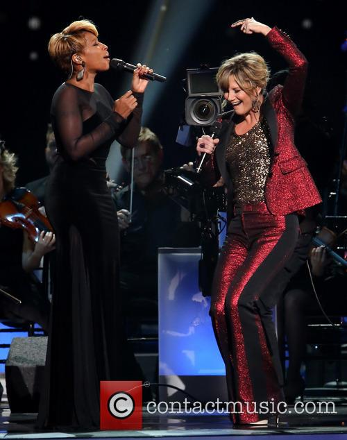 Mary J. Blige and Jennifer Nettles 10