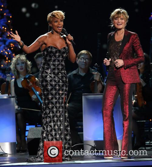 Mary J. Blige and Jennifer Nettles 14