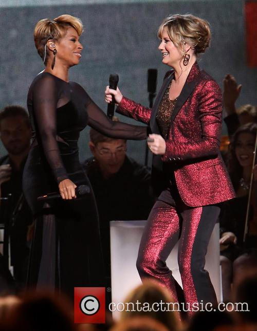 Mary J. Blige and Jennifer Nettles 17