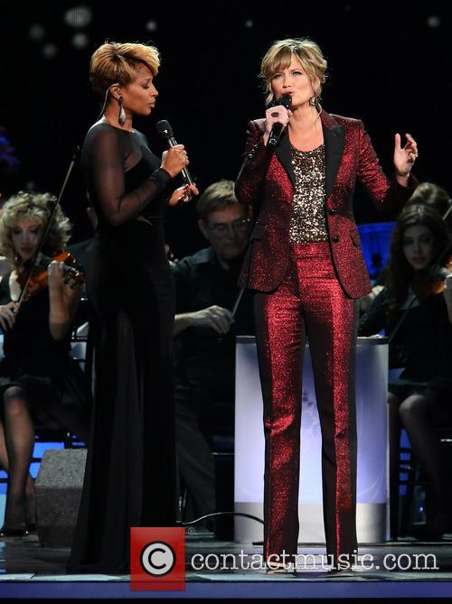 Mary J. Blige and Jennifer Nettles 19