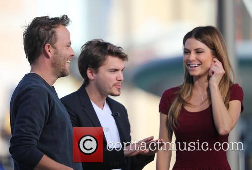 Emile Hirsch and Stephen Dorff appear on Extra