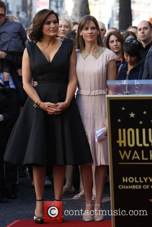 Mariska Hargitay and Hillary Swank 6