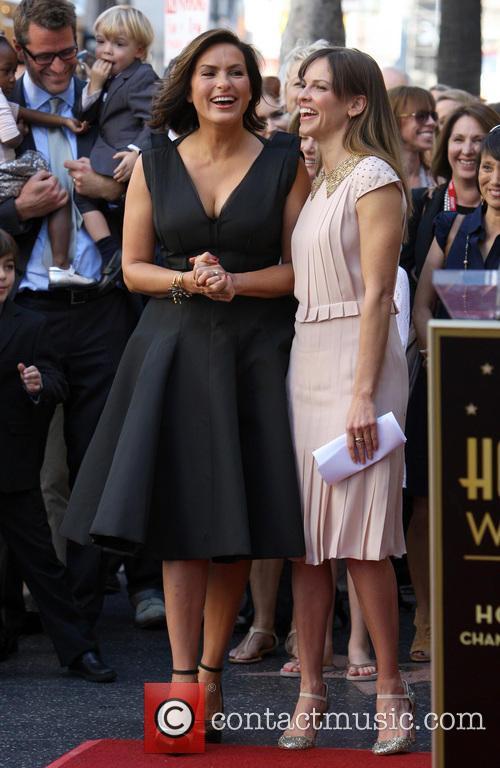 Mariska Hargitay and Hillary Swank 12