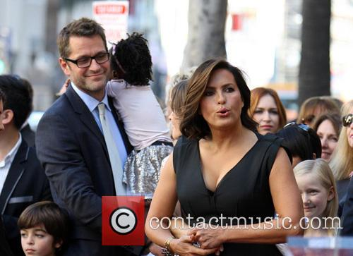 Peter Hermann, Mariska Hargitay and Amaya 9