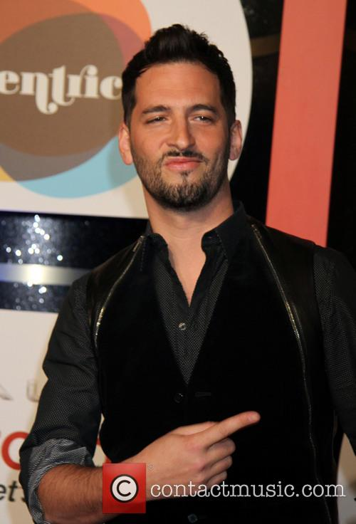 jon b the 2013 soul train awards 3942945
