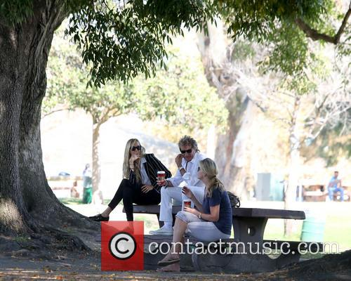 Rod Stewart, Kimberley Stewart and Penny Lancaster-stewart 9