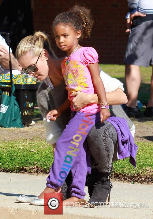 Heidi Klum takes her daughter to a park
