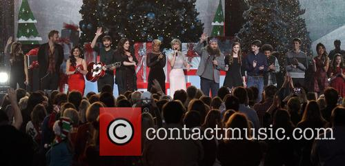 Sheryl Crow, Charles Kelley, Lucy Hale, Dave Haywood, Hillary Scott, Mary J. Blige, Jennifer Nettles and Willie Robertson 3