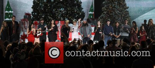 Sheryl Crow, Charles Kelley, Lucy Hale, Dave Haywood, Hillary Scott, Mary J. Blige, Jennifer Nettles and Willie Robertson 1