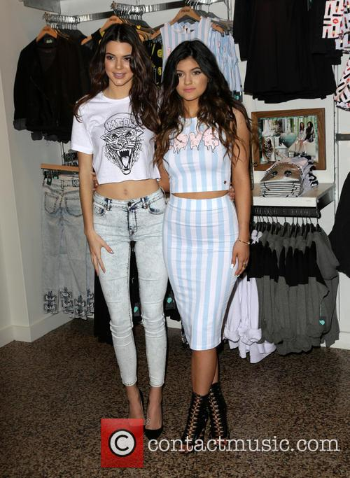 Kendall Jenner and Kylie Jenner 10