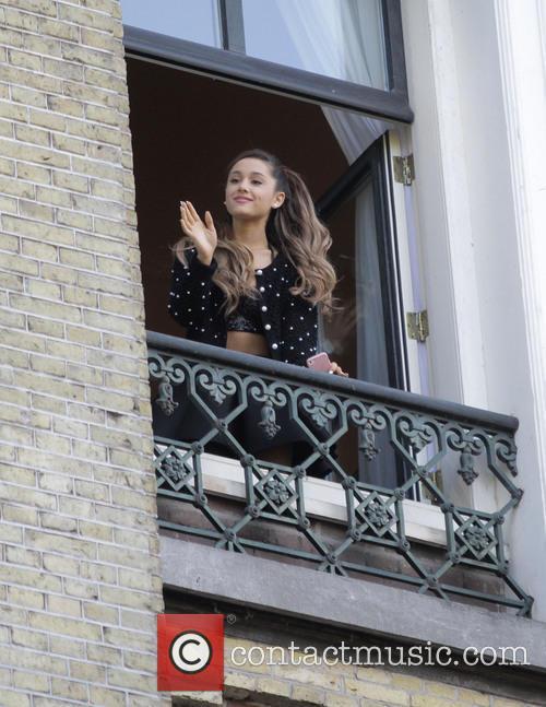 Ariana Grande 8
