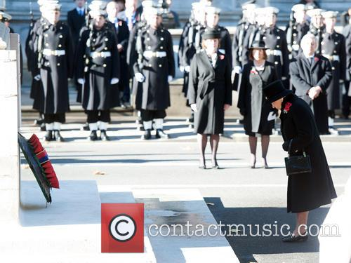 queen elizabeth ii remembrance sunday 3946553
